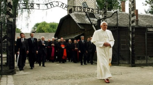 Papa en Auschwitza