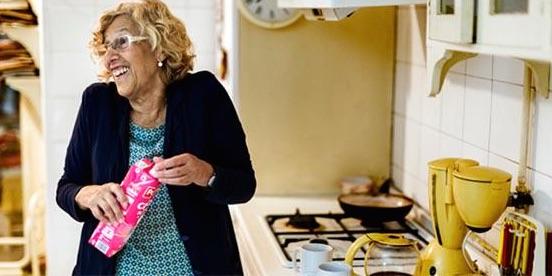 Carmena en su cocina